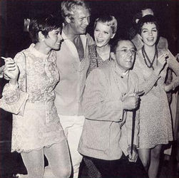 Neile, Steve, Mia Farrow, Leonard Gershe and Liza Minnelli, Manhattan, 1967